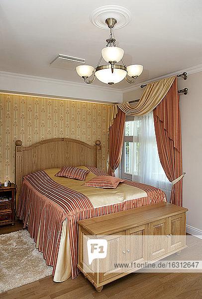 Schlafzimmer im gehobenen Wohnbereich