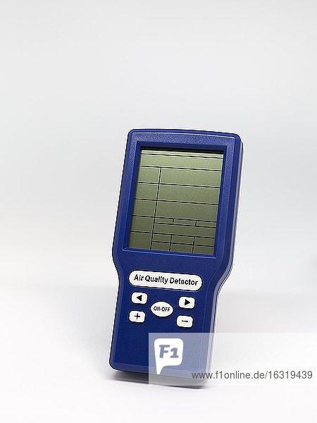 Messgerät zur Überprüfung der Qualität von Raumluft in Büros,  Schulklassen und anderen Innenräumen,  CO²-Ampel Air Quality Detector,  Nordrhein-Westfalen,  Deutschland,  Europa