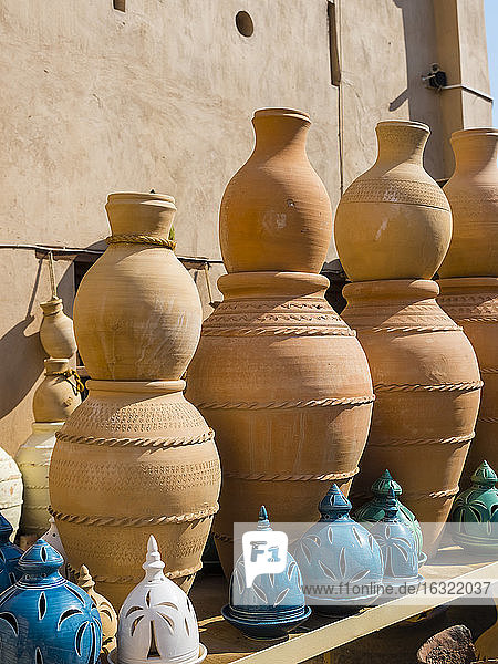 Oman  Ad-Dakhiliyah  Nizwa  souk  clay jugs