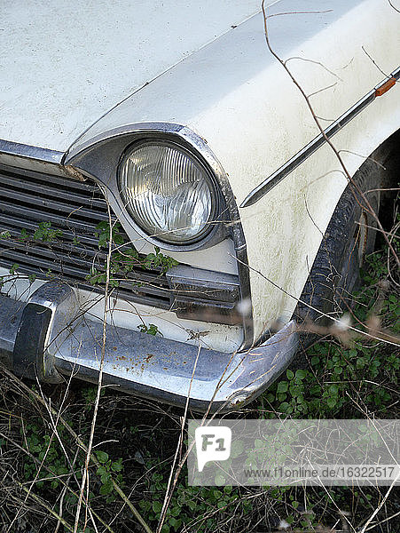 Headlight and car wing of vintage car out of order