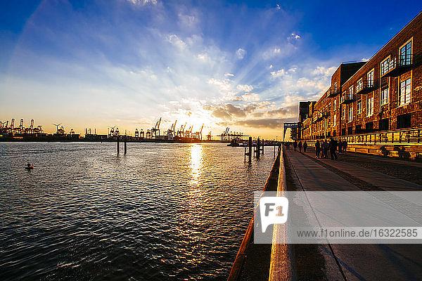 Germany  Hamburg  sunset at River Elbe