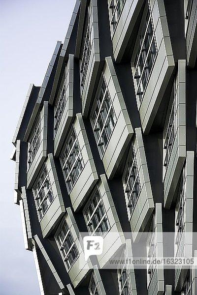 Niederlande  Flevoland  Almere  Teil der Fassade eines modernen Mehrfamilienhauses Niederlande, Flevoland, Almere, Teil der Fassade eines modernen Mehrfamilienhauses