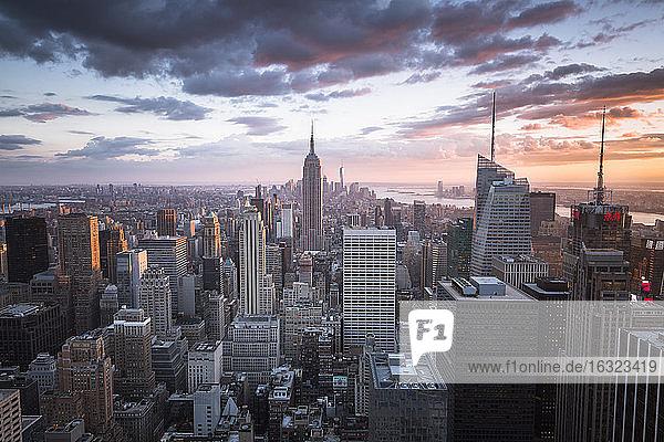USA  New York City  Manhattan skyline at sunset