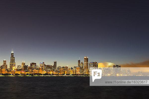 USA  Illinois  Chicago  Skyline and Lake Michigan at night