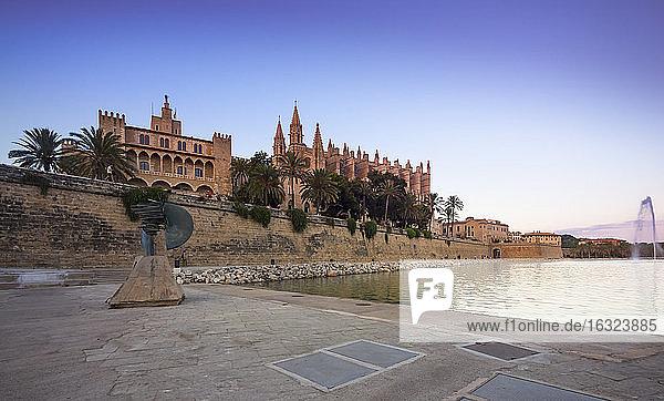 Spain  Mallorca  Palma  Fountain near La Seu cathedral and Palau de Almudaina