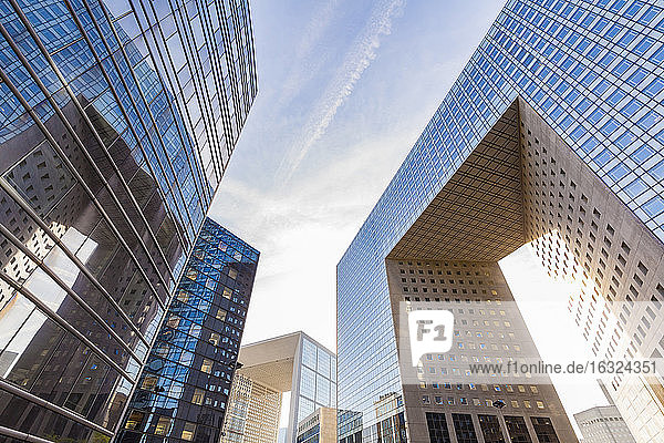 France  Paris  La Defense  Grande Arch and other modern office buildings