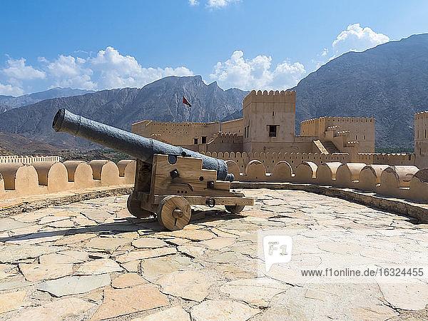 Oman  Al Batinah Region  Al Hajar Mountains  Nakhal  Fort Nakhal and Jebel Nakhl massif