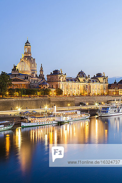 Germany  Dresden  Bruehl's Terrace with paddlesteamer on river Elbe at sunset