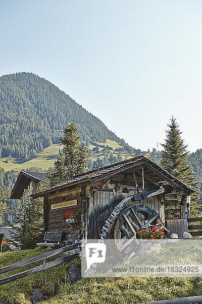 Austria  East Tyrol  Hohe Tauern National Park  barn in the mountains