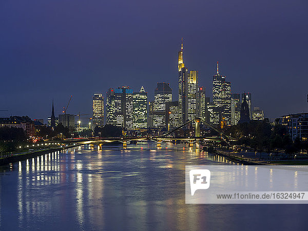 Germany  Hesse  View of Frankfurt am Main  Floesserbruecke and financial district at night