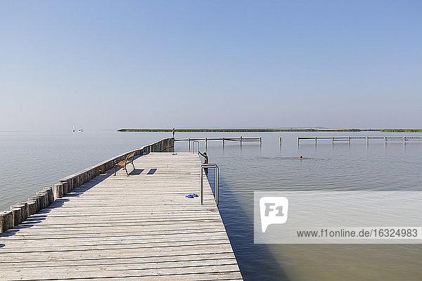 Austria  Burgenland  Lake Neusiedl  swimming area at Breitenbrunn am Neusiedler See