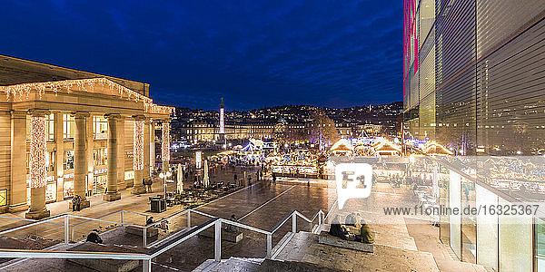 Germany  Baden-Württemberg  Stuttgart  Christmas market on castle square at night