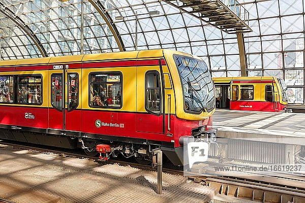 S-Bahn Berlin Train S Bahn in the main station Hbf  Berlin  Germany  Europe