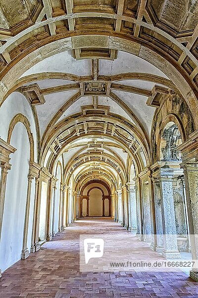 Main cloister  Arcades  Castle and Convent of the Order of Christ  Tomar  Santarem district  Portugal  Europe