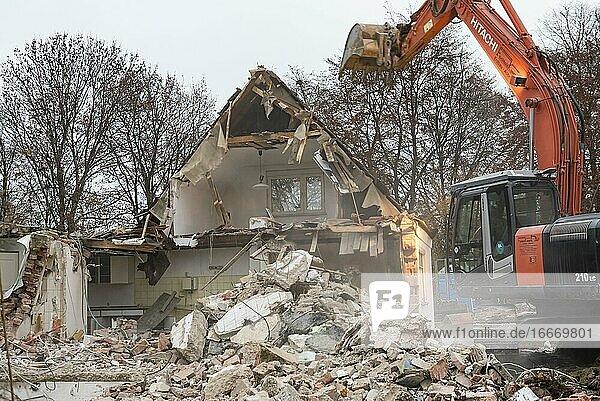 House demolition  Munich  Bavaria  Germany  Europe