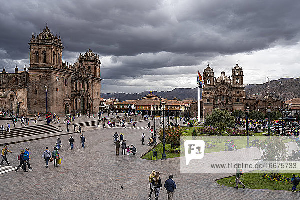 Tourists at Cusco Cathedral and Church of the Society of Jesus at Plaza de Armas  Cusco  Peru
