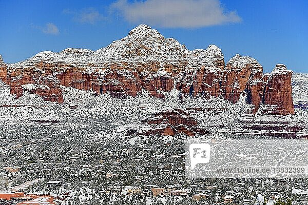 Winter in Sedona  Arizona  USA.