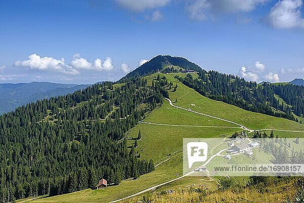View from Setzberg to Wallberg  behind Altes Wallberghaus  mountain hotel  Wallberg Oberbayern  Bavaria  Germany  Europe