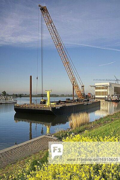 Floating crane in the river Merwede near the Dutch village hardinxveld-Giessendam.
