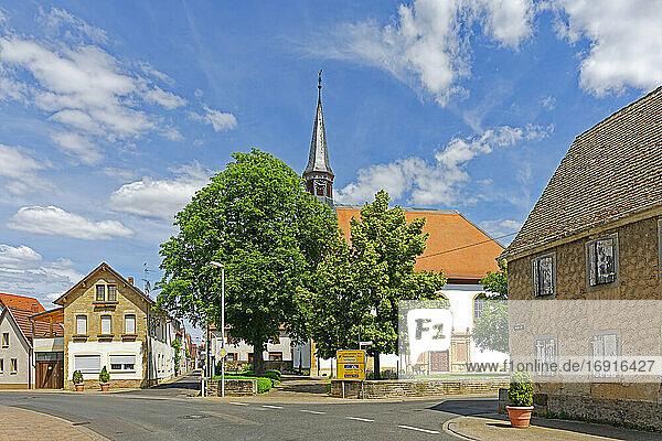 Kirche  Protestantisch  Straßenansicht