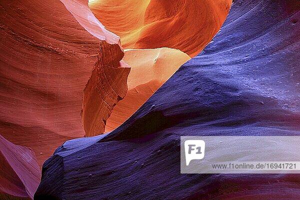 Antelope Canyon  Sandstein geformt von Wind und Wasser  Lower Antelope Canyon  Page  Arizona  USA  Nordamerika
