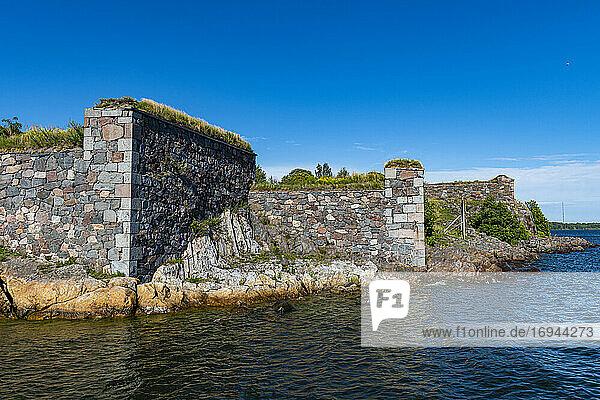 Festungsmauern der Seefestung Suomenlinna  UNESCO-Weltkulturerbe  Helsinki  Finnland  Europa