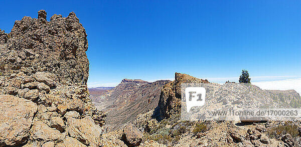 Scenic view of mountain Sombrero De Chasna during sunny day  Teide National Park  Tenerife  Canary Islands  Spain