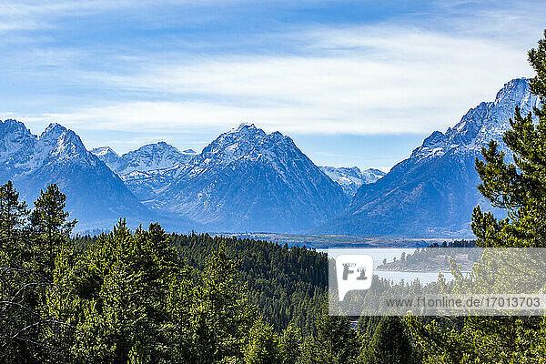 USA  Wyoming  Jackson  Grand Teton National Park  Blick auf den Grand Teton National Park vom Signal Mountain