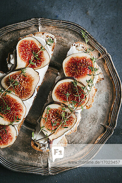 Fig and goat's cheese sandwich