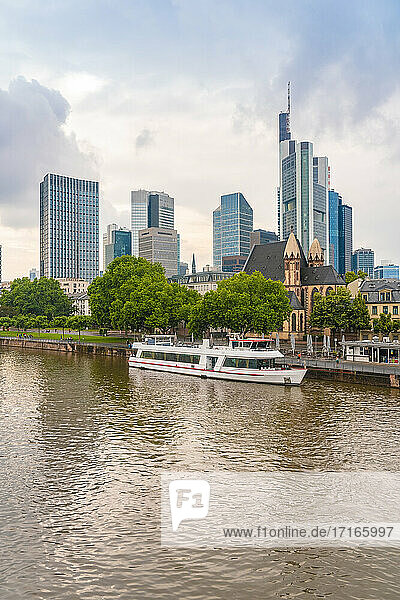 Germany  Frankfurt  View of river  Saint Leonhardskirche Church and financial district