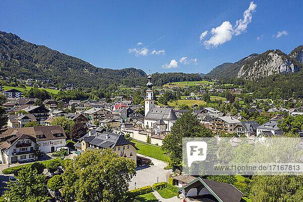 Austria  Salzburg  Sankt Gilgen  Aerial view of village in Salzkammergut during summer