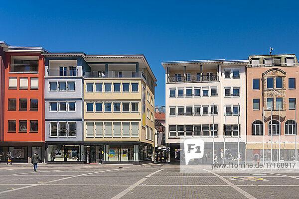Germany  Baden-Wurttemberg  Stuttgart  Marktplatz with colorful townhouses in background