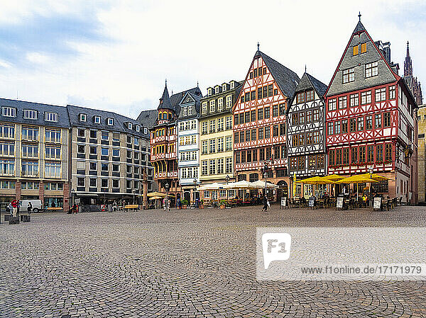 Germany  Frankfurt  Roemerberg  Old town square with half timbered houses