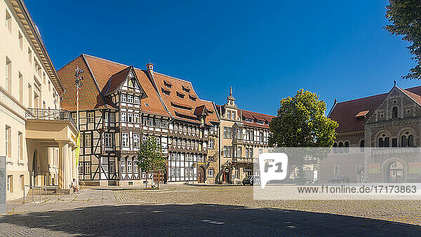 Germany  Lower Saxony  Brunswick  Empty square surrounded by historic half-timbered houses