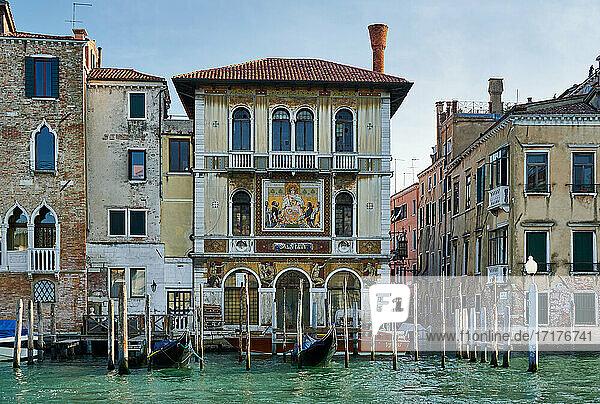 Palazzo Salviati On The Grand Canal  Venedig  Venetien  Italien |Palazzo Salviati On The Grand Canal  Venice  Veneto  Italy|