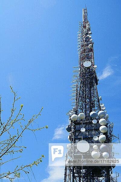 Italien  Lombardei  Provinz Bergamo  Valcava  Antennen  Repeater