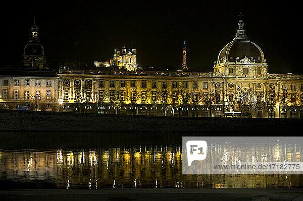 Europa  Frankreich  Rhone  Lyon  Gebiet  das von der UNESCO zum Weltkulturerbe erklärt wurde  Stadtteil Bellecour  Grand Hotel Dieu  Hotel InterContinental