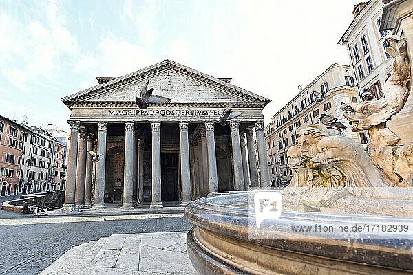 Italien  Latium  Rom  Piazza della Rotonda  Pantheon