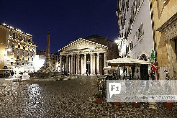 Italien  Latium  Rom  Piazza della Rotonda  das Pantheon