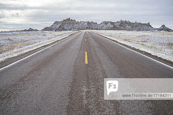 The road to the Badlands  Badlands National Park  South Dakota  United States of America  North America