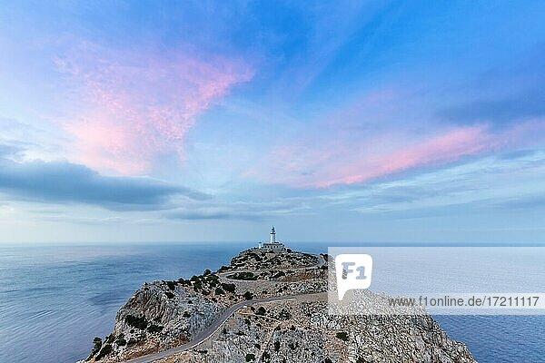 Cap Formentor Abend Himmel Leuchtturm Meer Textfreiraum Reise Reisen auf Mallorca  Spanien  Europa