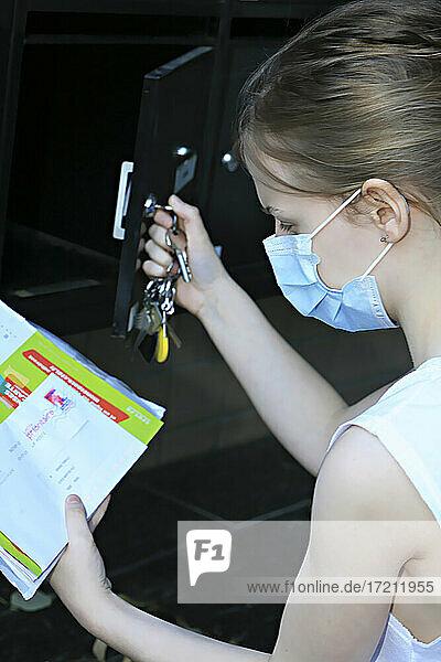 Coronavirus-Mailbox Coronavirus-Mailbox