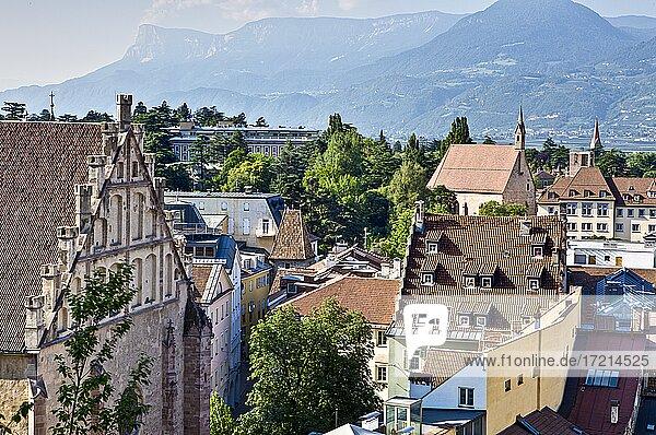 Italien  Suedtirol  Provinz Bozen Meran  Altstadt Zentrum   Italy  Italia  Alto Adige  South Tyrol Merano  cittá vecchio  centro  old town  center