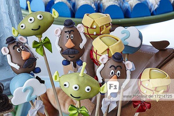 Essen, Suesspeisen,  Cookies,  in Form von Disney Figuren, Toy Story, Kinder Geburtstags-Party| Food, Desserts,  cookies in the form of Diseny figures,  Toy Story, Lollipops,  Kids Birthday party