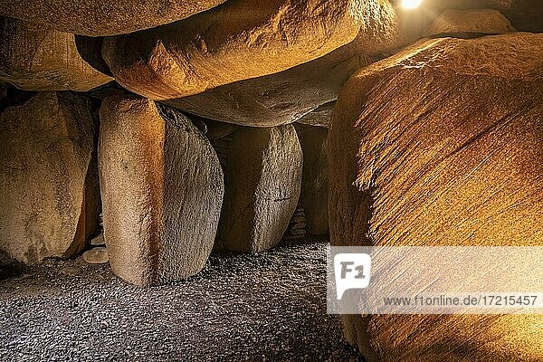 Hügelgrab aus der Jungsteinzeit  Großsteingrab Steinzeitgrab  Denghoog  Thinghügel  Wenningstedt  Sylt  Deutschland  Europa