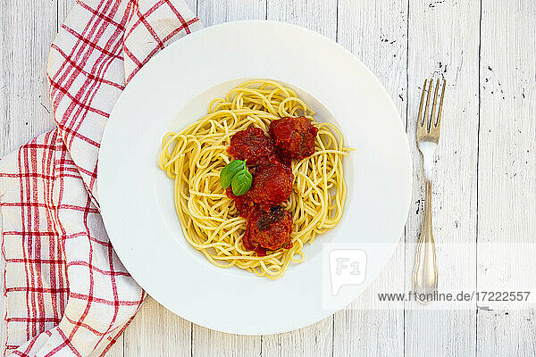 Plate of spaghetti with vegetarian mince balls