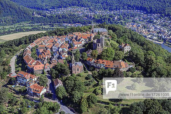 Luftaufnahme der Burgfeste Dilsberg in Neckargemünd im UNESCO-Global-Geopark Bergstraße-Odenwald; Baden-Württemberg; Neckartal  Odenwald  Süddeutschland  Deutschland  Europa.