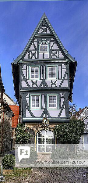 Das fränkische Fachwerkhaus Schmuckkästchen in der Altstadt von Bad Wimpfen im Kraichgau  Landkreis Heilbronn  Baden-Württemberg  Süddeutschland  Deutschland  Europa.