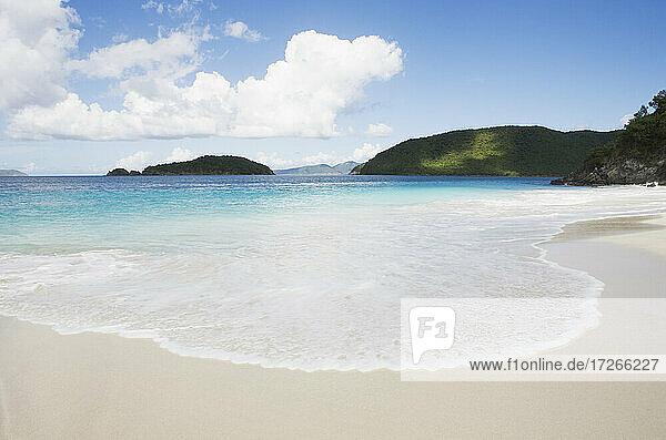USA Jungferninseln  St. John  Strand an der Cinnamon Bay  Virgin Islands National Park