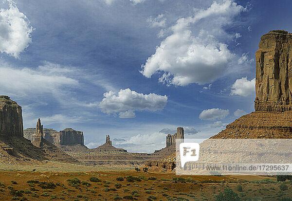 USA  Arizona  Monument Valley Tribal Park  Felsformationen